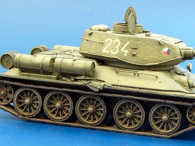 Wallpaper : weapon, tank, world of tanks, ussr, t 34 85, cannon, su 122, screenshot, combat vehicle